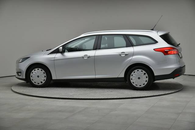 Ford Focus 1.5 TDCI DPF Trend-360 image-6