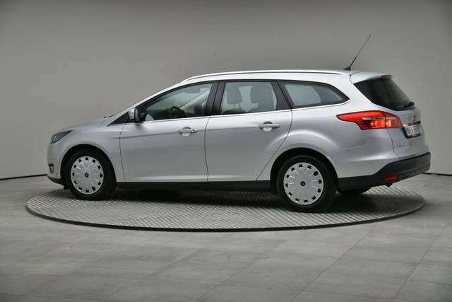 Ford Focus 1.5 TDCI DPF Trend-360 image-7