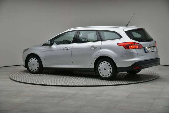 Ford Focus 1.5 TDCI DPF Trend-360 image-8