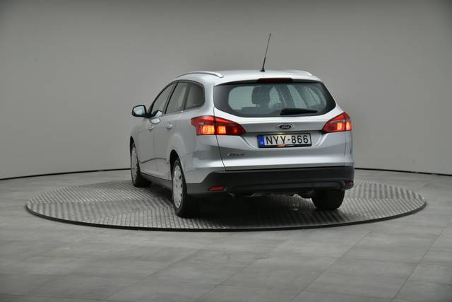 Ford Focus 1.5 TDCI DPF Trend-360 image-12