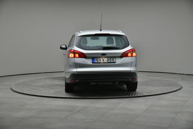 Ford Focus 1.5 TDCI DPF Trend-360 image-13