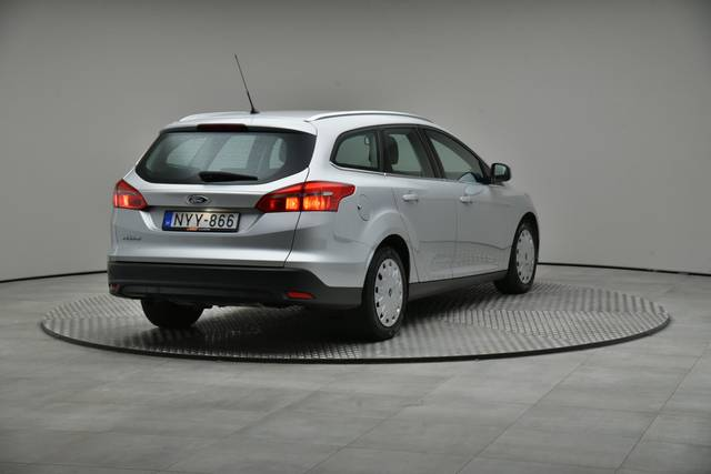 Ford Focus 1.5 TDCI DPF Trend-360 image-16