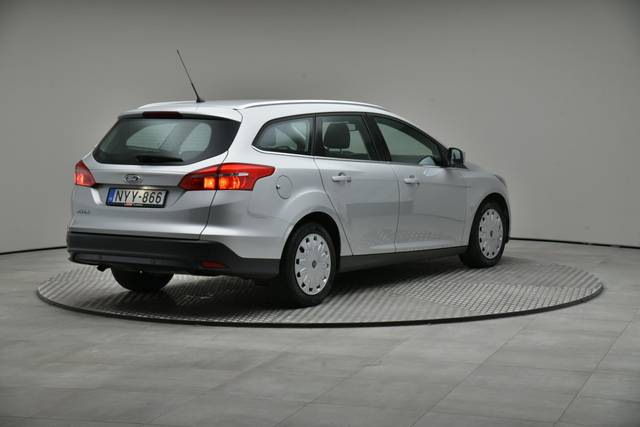 Ford Focus 1.5 TDCI DPF Trend-360 image-17