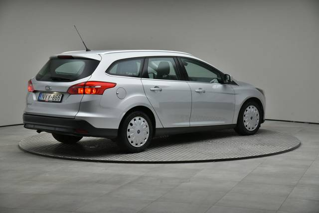 Ford Focus 1.5 TDCI DPF Trend-360 image-18