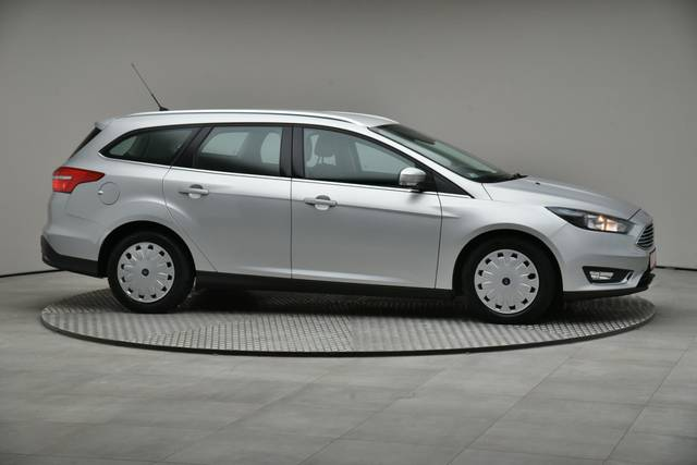 Ford Focus 1.5 TDCI DPF Trend-360 image-24