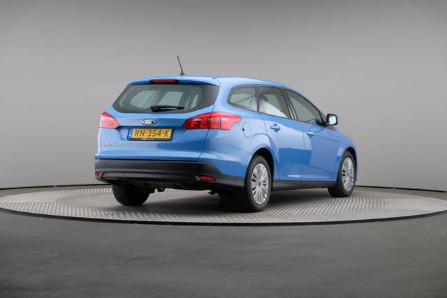 Ford Focus 1.5 TDCi Lease Edition Wagon, Automaat, Navigatie-360 image-17