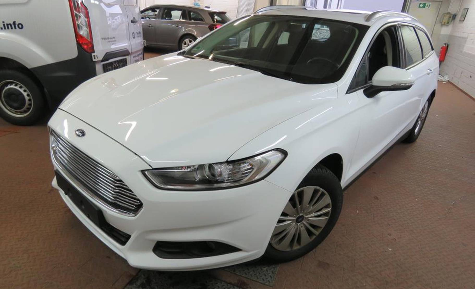 Ford Mondeo Turnier 1.6 TDCi Trend NAVI/PANORAMA/LM detail1
