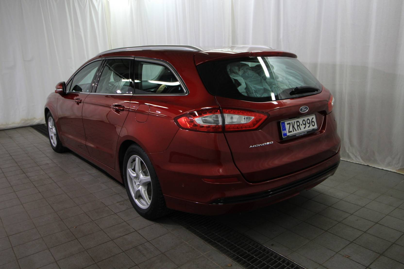 Ford Mondeo Wagon Titanium Business 1.5 TDCi 120hv M6 detail2
