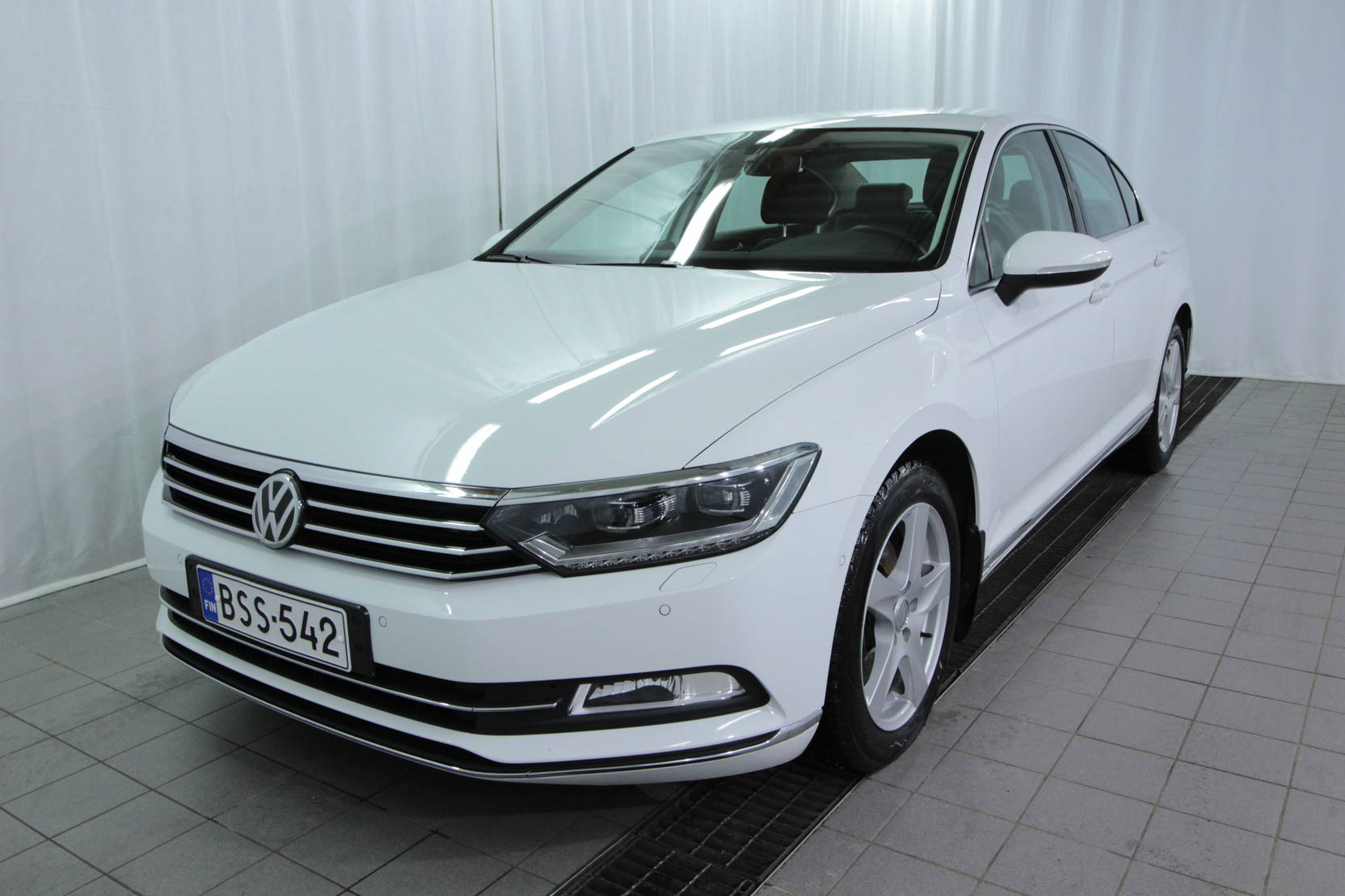 Volkswagen Passat Sedan Highline 1,6 Tdi 88 Kw Dsg detail1