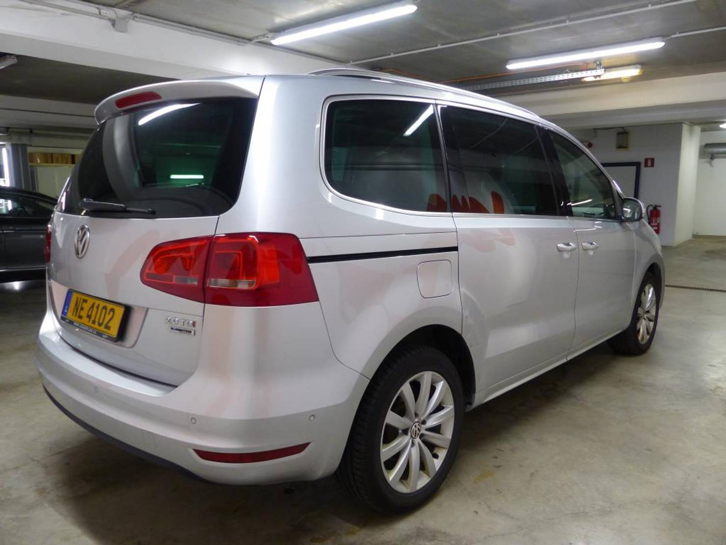 Volkswagen Sharan 2.0 CR TDI HIGHLINE BMT START& detail2