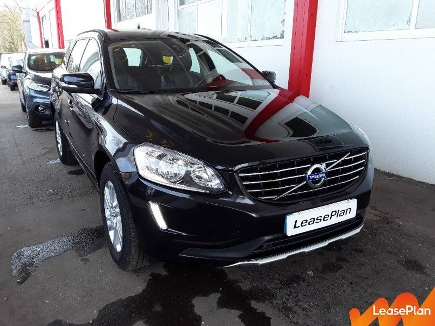 Volvo XC60 D4 181 ch S&S, Momentum Business Geartronic A detail1