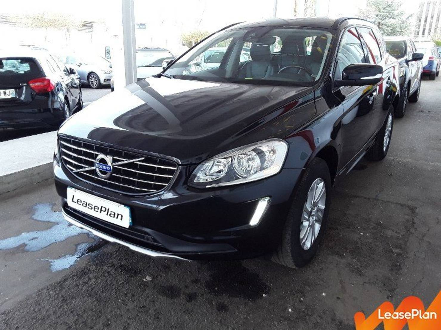 Volvo XC60 D4 181 ch S&S, Momentum Business Geartronic A detail2