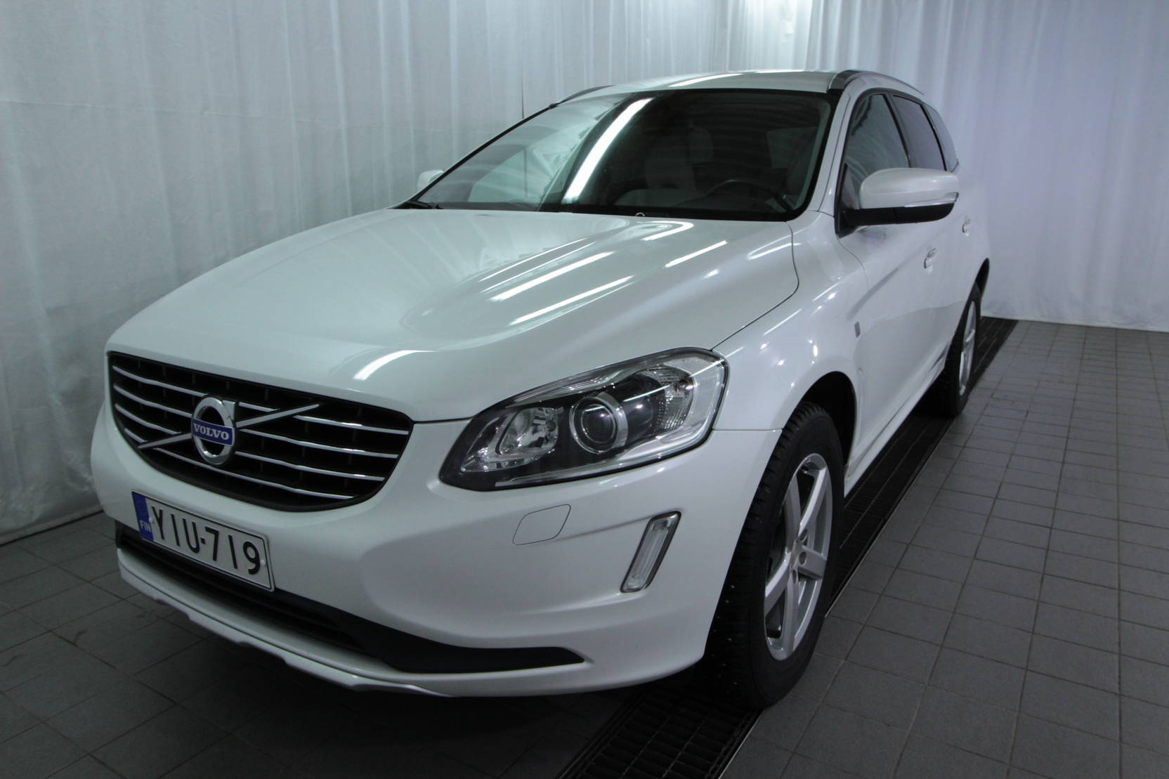 Volvo XC60 D4 Awd Ocean Race Business detail1