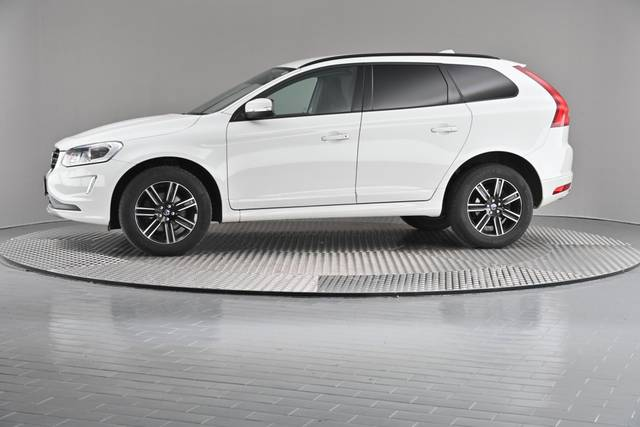 Volvo XC60 D4 Kinetic Geartronic (883257)-360 image-3