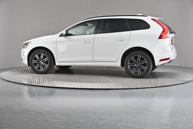 Volvo XC60 D4 Kinetic Geartronic (883257)-360 image-6