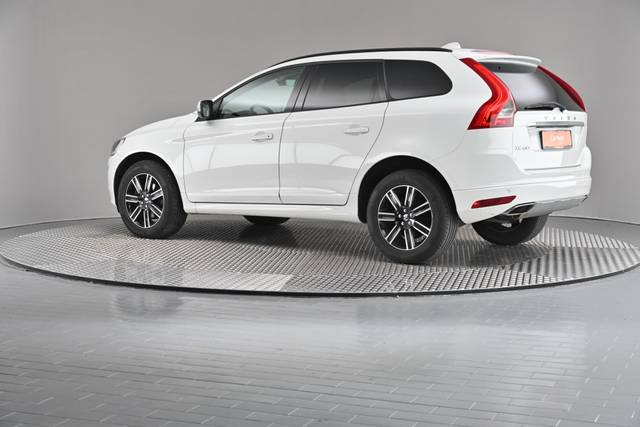 Volvo XC60 D4 Kinetic Geartronic (883257)-360 image-8