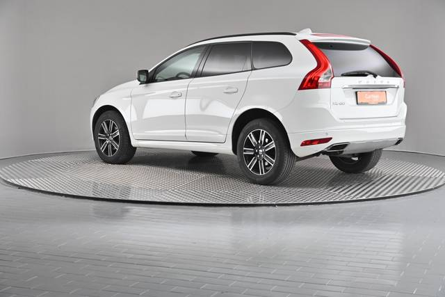 Volvo XC60 D4 Kinetic Geartronic (883257)-360 image-9