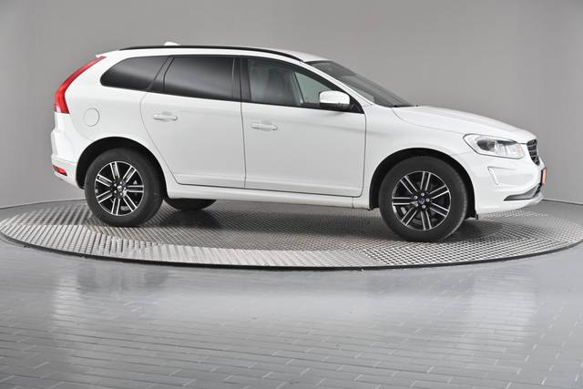 Volvo XC60 D4 Kinetic Geartronic (883257)-360 image-24