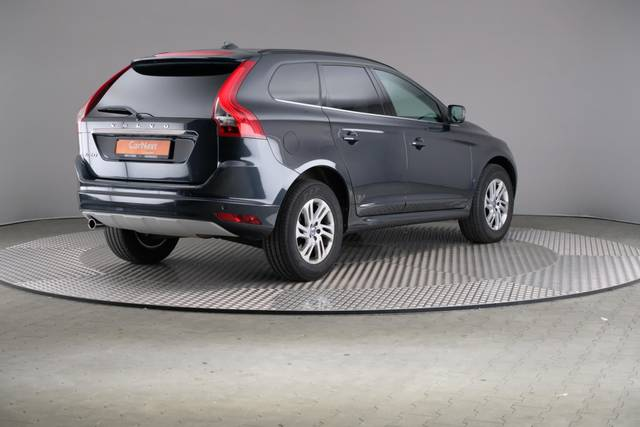 Volvo XC60 D3 Geartronic Momentum-360 image-17