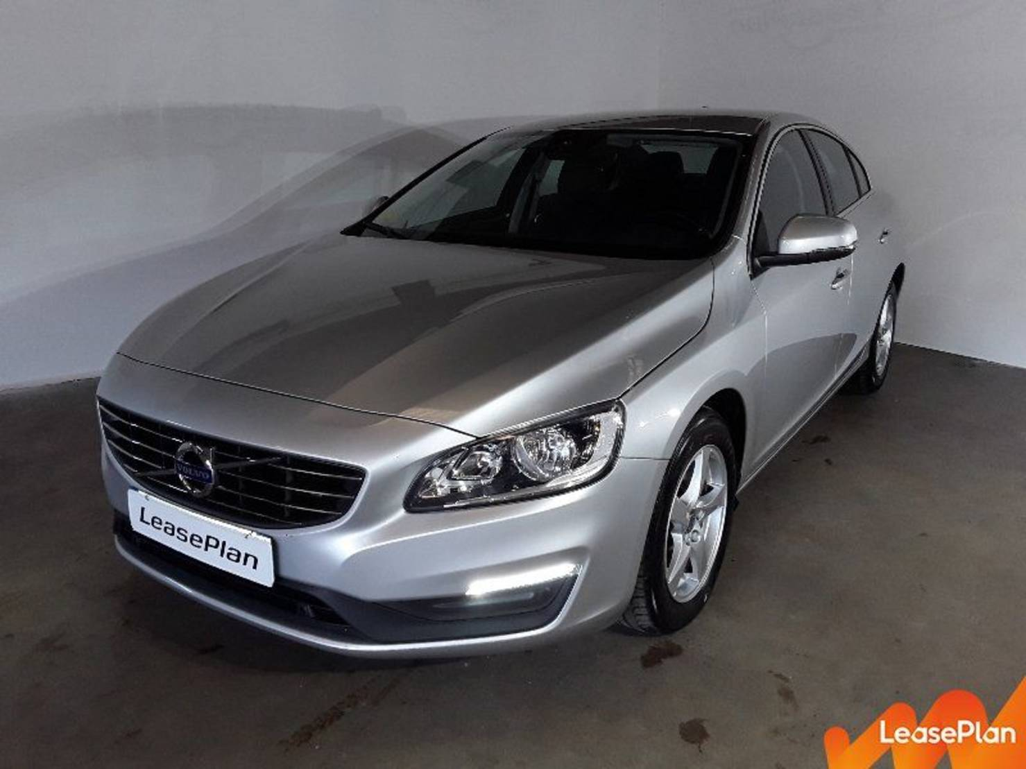 Volvo S60 D3 150 ch Stop&Start, Momentum Business detail1