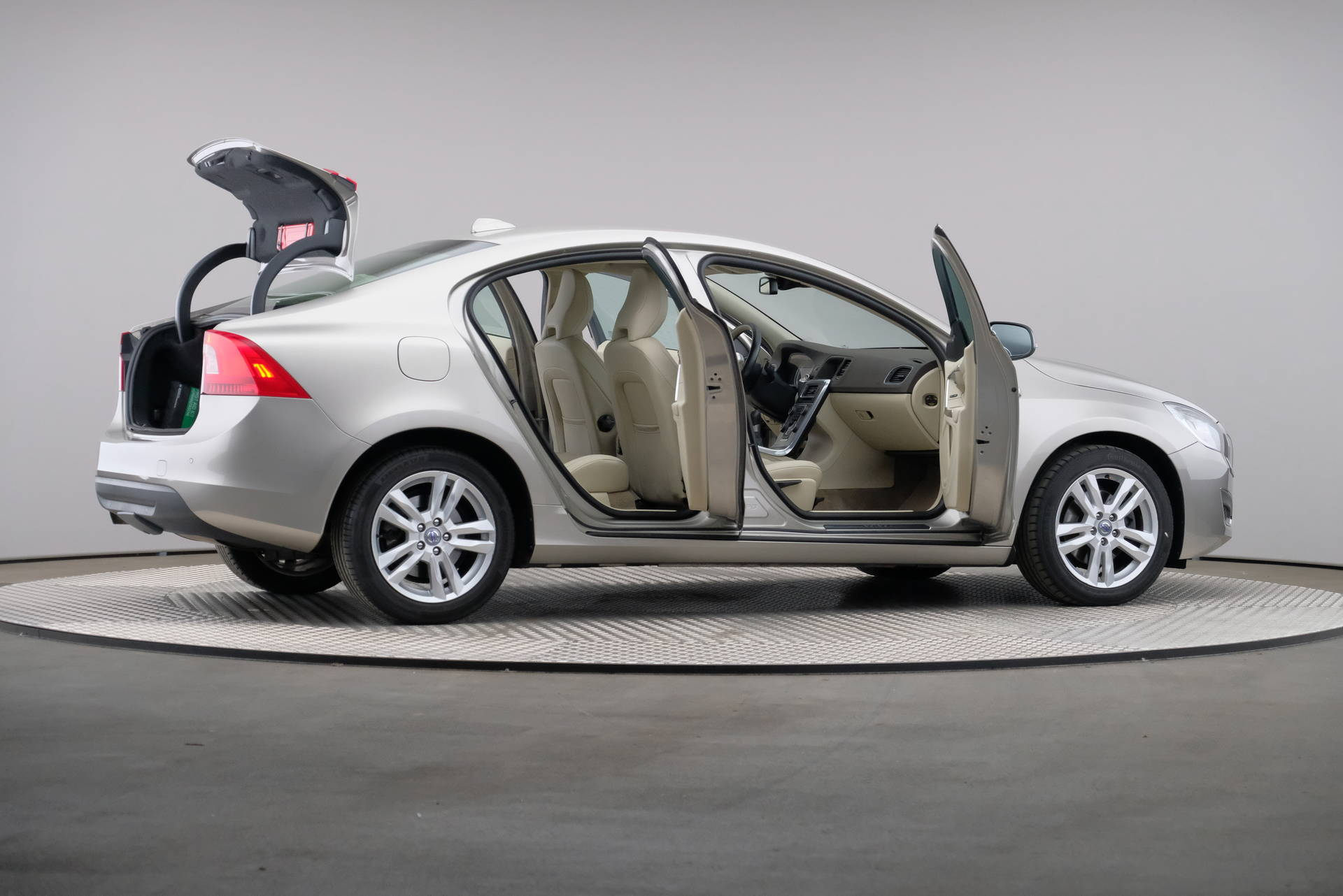 Volvo S60 2.0 D4 163pk Summum Business, Driver Support Line, Trekhaak, Xenon, 360-image57