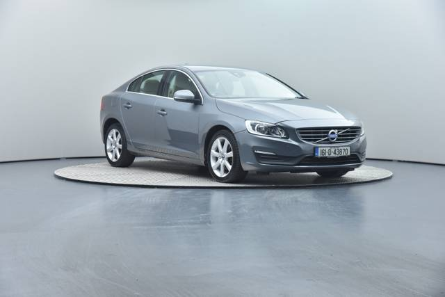 Volvo S60 D4 Geartronic, Momentum-360 image-1