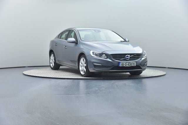 Volvo S60 D4 Geartronic, Momentum-360 image-2