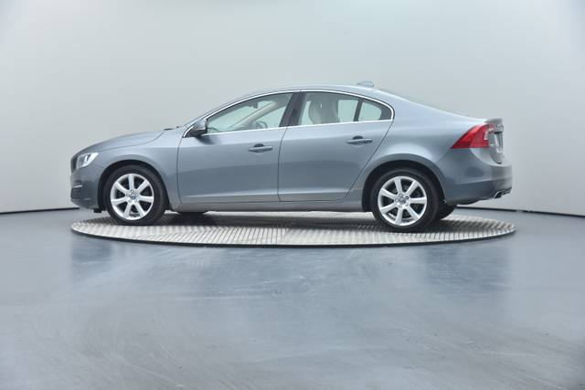 Volvo S60 D4 Geartronic, Momentum-360 image-15