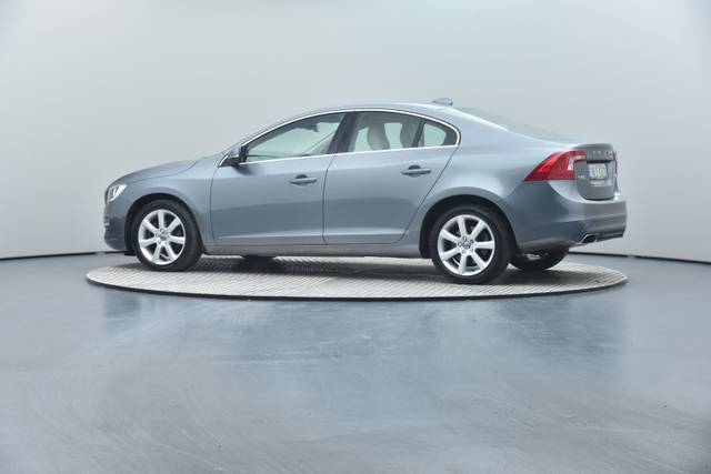 Volvo S60 D4 Geartronic, Momentum-360 image-16