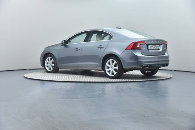 Volvo S60 D4 Geartronic, Momentum-360 image-18