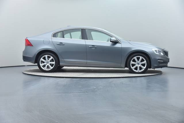 Volvo S60 D4 Geartronic, Momentum-360 image-32