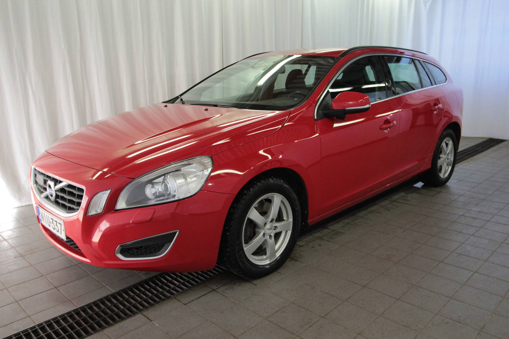 Volvo V60 D4 Awd Momentum Business Aut detail1