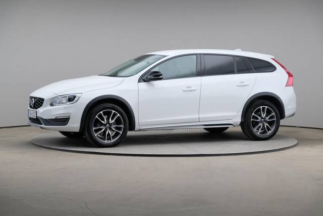 Volvo V60 Cross Count D3 Summum VOC-360 image-2
