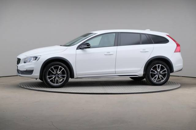 Volvo V60 Cross Count D3 Summum VOC-360 image-3