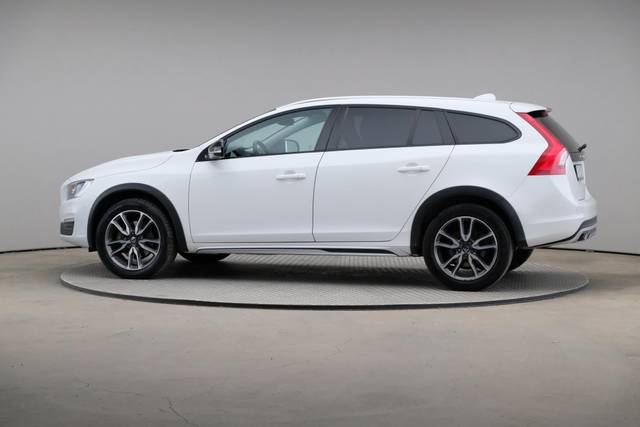 Volvo V60 Cross Count D3 Summum VOC-360 image-6