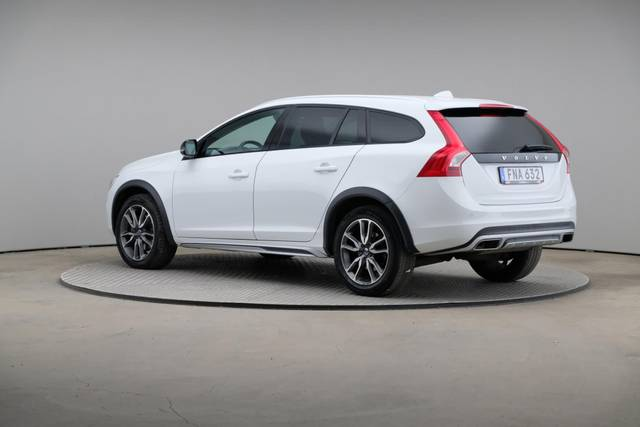 Volvo V60 Cross Count D3 Summum VOC-360 image-9