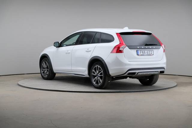 Volvo V60 Cross Count D3 Summum VOC-360 image-10