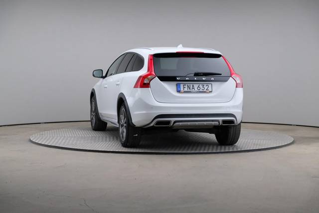 Volvo V60 Cross Count D3 Summum VOC-360 image-12
