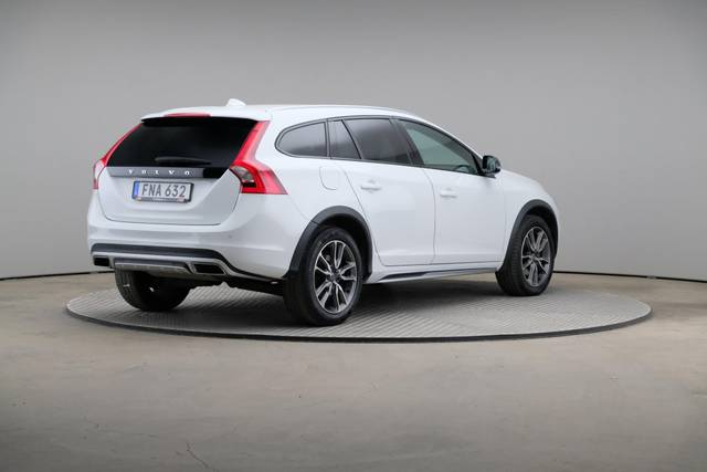 Volvo V60 Cross Count D3 Summum VOC-360 image-17