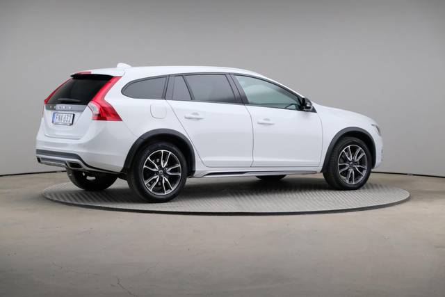 Volvo V60 Cross Count D3 Summum VOC-360 image-19