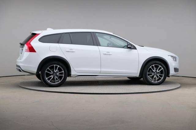 Volvo V60 Cross Count D3 Summum VOC-360 image-21