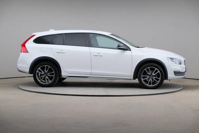 Volvo V60 Cross Count D3 Summum VOC-360 image-23