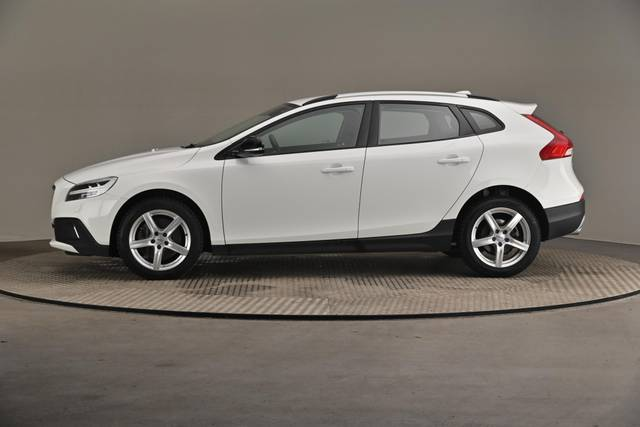 Volvo V40 Cross Country D3 Business Summum A (MY17.1) -Varustepaketti HighTech--360 image-4