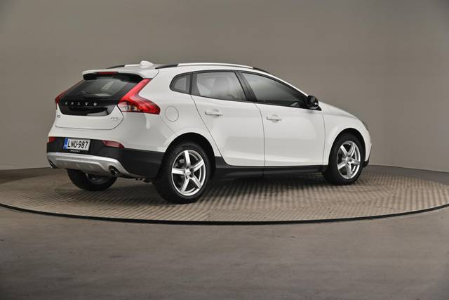 Volvo V40 Cross Country D3 Business Summum A (MY17.1) -Varustepaketti HighTech--360 image-18