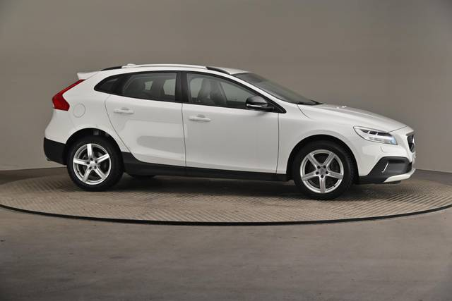 Volvo V40 Cross Country D3 Business Summum A (MY17.1) -Varustepaketti HighTech--360 image-24