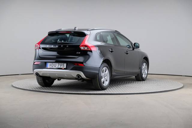Volvo V40 Cross Country D3 Momentum VoC-360 image-16