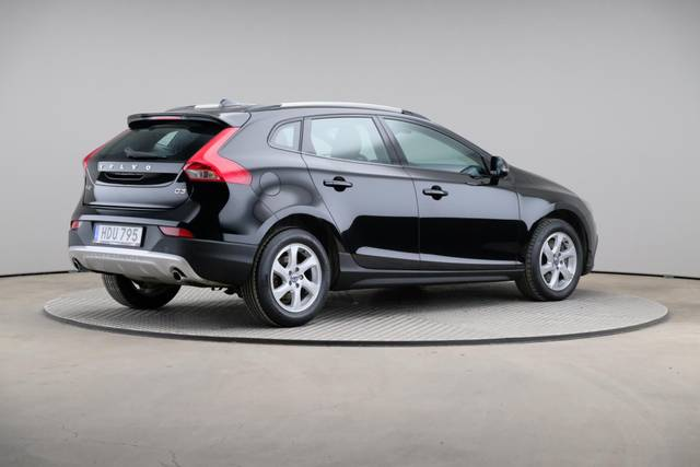 Volvo V40 Cross Country D3 Momentum VoC-360 image-18