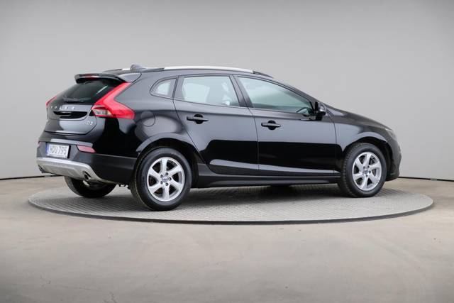 Volvo V40 Cross Country D3 Momentum VoC-360 image-19