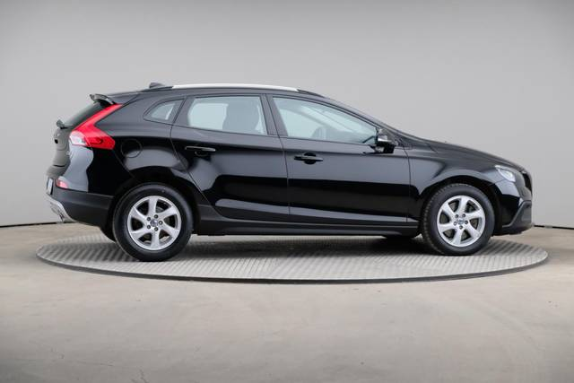 Volvo V40 Cross Country D3 Momentum VoC-360 image-21