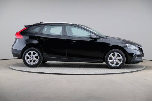 Volvo V40 Cross Country D3 Momentum VoC-360 image-23